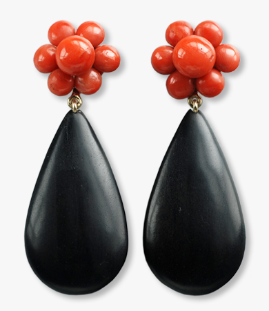 Yellow gold, coral & ebony T.A.C. earrings | Statement Jewels